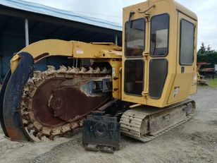 stroj za kopanje jarkov VERMEER  T555